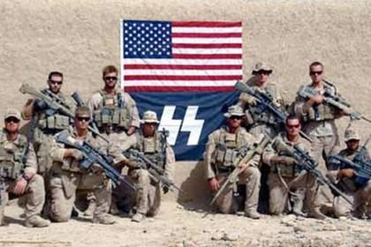 Marines posam com bandeira nazi no Afeganistão