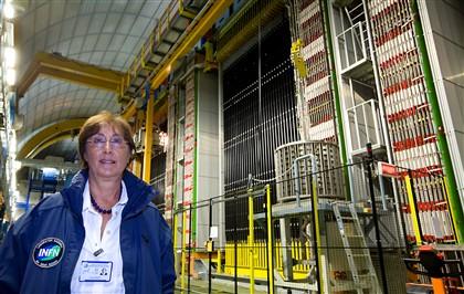 Lucia Votano, a diretora do laboratório Gran Sasso, em Itália, onde foram medidos os neutrinos a viajar 'mais rápido do que a luz'