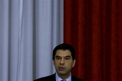 Gaspar admite que desemprego cresça este ano e em 2013