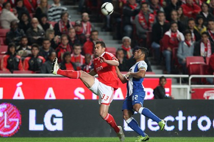 Benfica derrota FC Porto e está na final (3-2)