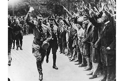 Ódio de Hitler aos judeus cresceu com derrotas no exterior