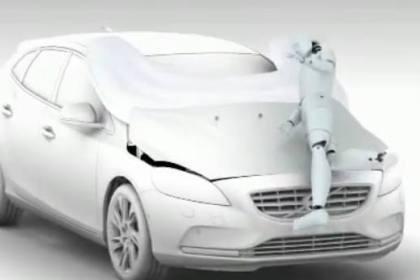 Volvo lança o primeiro airbag para peões