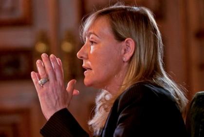 Ministra da Justiça anuncia plano com 2 mil novos lugares