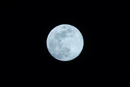 Hoje é noite de lua azul