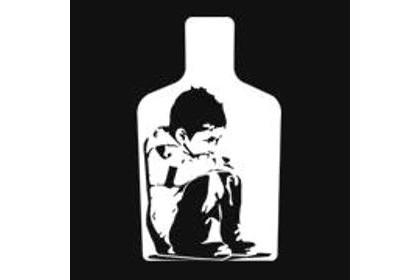 Crianças veem monstros nos pais alcoolizados em campanha