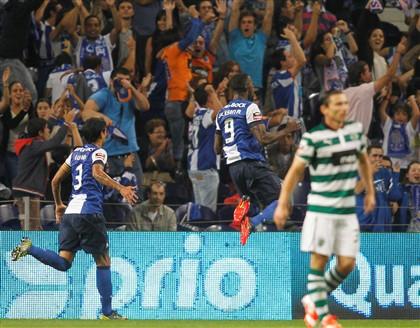 FC Porto vence clássico no Dragão e recupera liderança