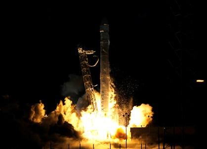 """""""Dragon"""" já partiu para a Estação Espacial Internacional"""