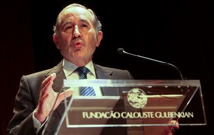 """Eanes defende """"pacto de crescimento e modernização"""""""