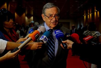 """O poder em Portugal é exercido por """"grupos de interesses"""""""