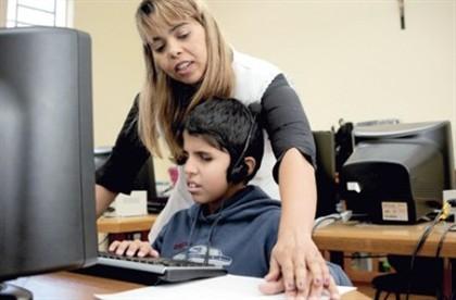 Exames de alunos cegos com formatos digitais