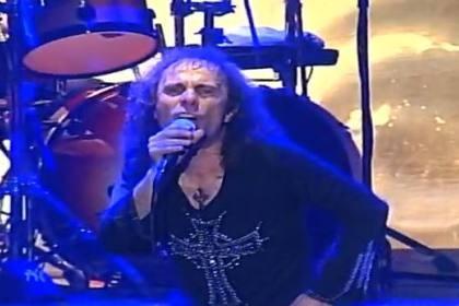 Ronnie James Dio em concerto
