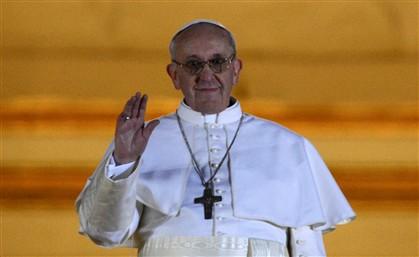 Cardeal argentino Bergoglio de 76 anos é o Papa Francisco