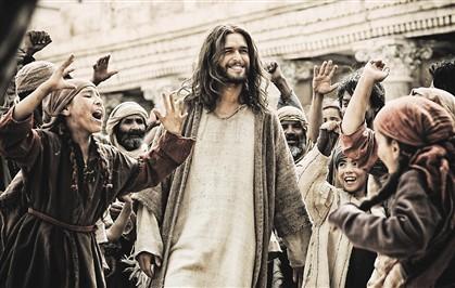 Diogo Morgado é Jesus no filme 'A Bíblia' que estreia amanhã em Portugal