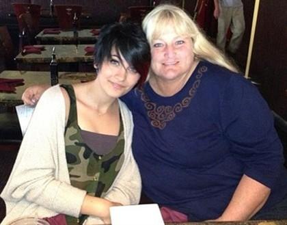 Primeira fotografia de mãe e filha desde 2001