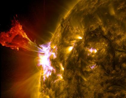 Sonda da NASA capta erupção solar