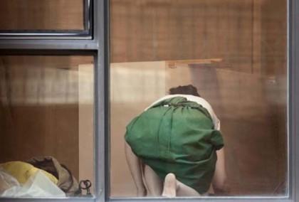 Fotógrafo exibe fotos íntimas dos vizinhos sem autorização