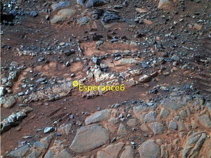 A rocha Esperança 6 tem vestígios de água propícia à vida no passado de Marte