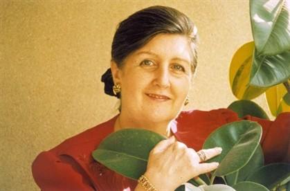 """Luísa Ducla Soares organiza """"Poesia para todo o ano"""""""