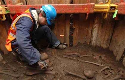Trabalhos arqueológicos no cemitério de Bedlam