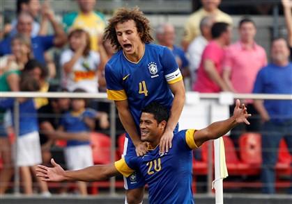 Scolari chama David Luiz, Ramires e Hulk