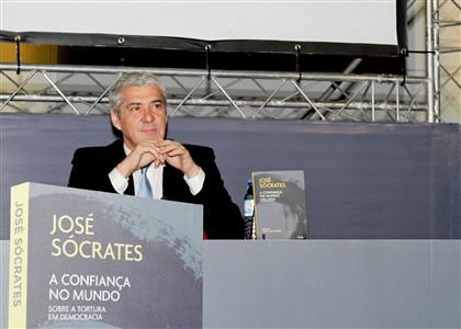 Jerónimo Martins recusa vender livro de Sócrates