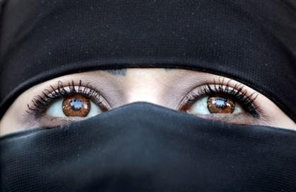 Sauditas culpam rímel por aumento de assédio sexual