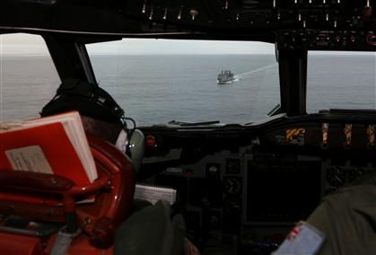 Austrália coordena buscas, a mais de 2000 quilómetros de Perth