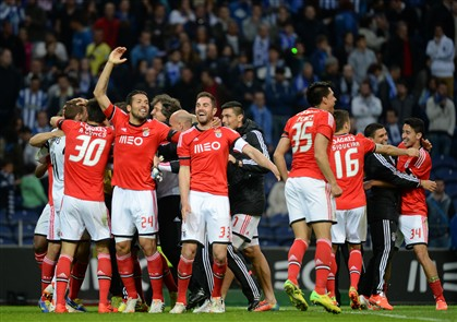Dez voltou a chegar para o Benfica derrubar o FC Porto