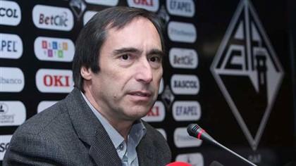 José Eduardo Simões anuncia recandidatura