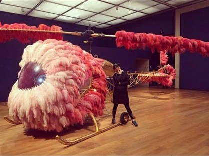 Katy Perry foi ver exposição de Joana Vasconcelos
