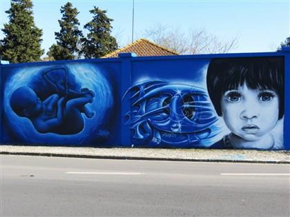 Foto: Google lança coleção de street art no seu arquivo online A Google Cultural Institute, um arquivo online de exposições e coleções de todo o mundo, lançou hoje uma coleção de Arte Urbana que conta, em Portugal, com o apoio da Galeria de Arte Urbana de Lisboa. http://go.pwm.pt/TNfad3