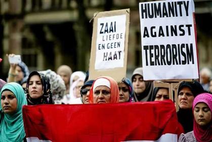 Manifestação na Holanda contra o terrorismo dos jihadistas do Estado Islâmico. Estes ganham força no Iraque e na Síria, neste momento, tendo proclamado um califado