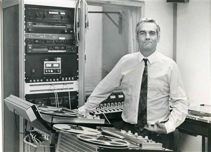Emídio Rangel no estúdio da TSF em 1988
