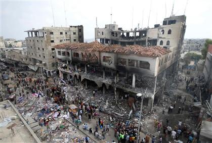 Um centro comercial na Faixa de Gaza, depois do bombardeamento israelita de sábado