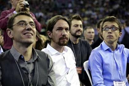 Pablo Iglesias, líder do Podemos, ao centro nesta foto