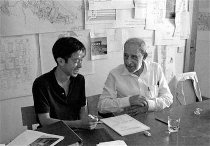 O japonês Ren Ito acompanhou a conceção e construção das casas da Quinta do Bom Sucesso, em Óbidos, e registou o método de Siza Vieira
