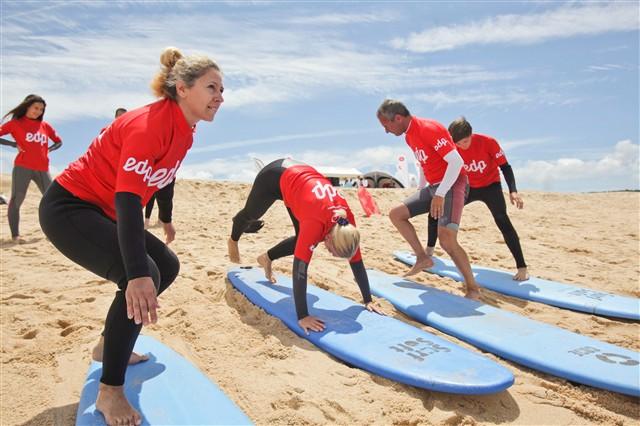 Aprender a surfar na Lagoa de Albufeira