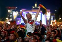 Euforia invade ruas de Berlim após vitória no Mundial
