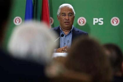 """António Costa espera que Vitorino responda """"um dia"""" à """"pergunta"""" sobre presidenciais"""