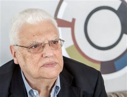 """Freitas do Amaral critica as """"ideias malucas"""" de Merkel"""
