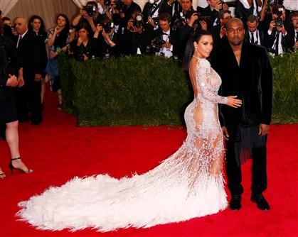 Kim Kardashian escolheu um modelo de Roberto Cavalli