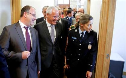 João Alberto Correia (à esquerda na fotografia) tem 50 anos.