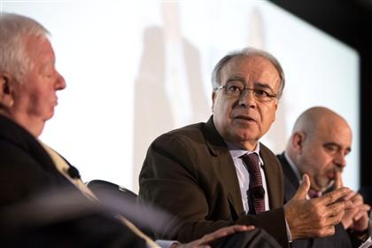 Carvalho da Silva desiste da corrida à Presidência da República