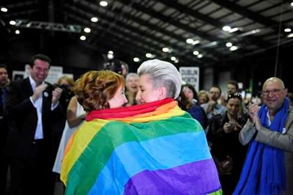 """Líder da campanha pelo """"Não"""" reconhece derrota no referendo ao casamento gay na Irlanda"""