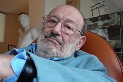 Umberto Eco na sua casa em Milão