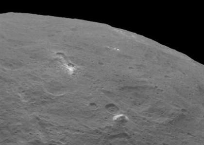 """Após as luzes brancas, descoberta de """"pirâmide"""" em Ceres leva alguns a falar em """"aliens"""""""
