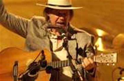Neil Young manda retirar os seus ábuns dos serviços de 'streaming'