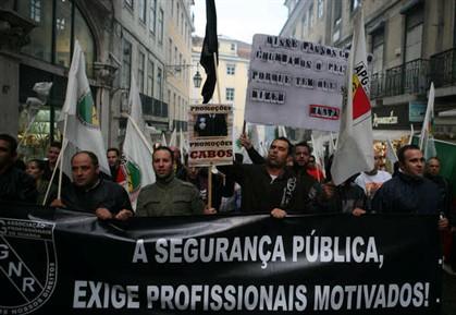 Governo aprova estatuto da PSP e acaba com greve às multas