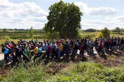 Hungria autoriza exército a disparar contra migrantes