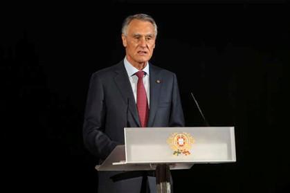 Cavaco Silva marca eleições legislativas para 4 de outubro. E apela a entendimentos que criem um governo maioritário